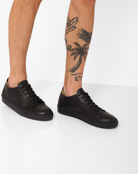 Faux Leather Low-Cut Sneakers By TURN ( Black )
