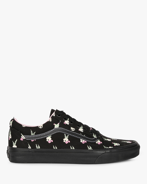 VANS WOMEN CASUAL SHOES, BLACK, 7 By Vans ( Black )