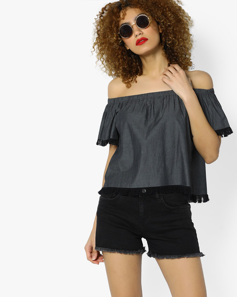 Off-Shoulder Top With Frayed Hems By AJIO ( Black )