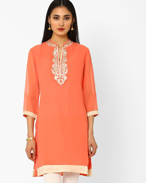 Embroidered Kurta With Crystal Embellishments By AJIO ( Pink )