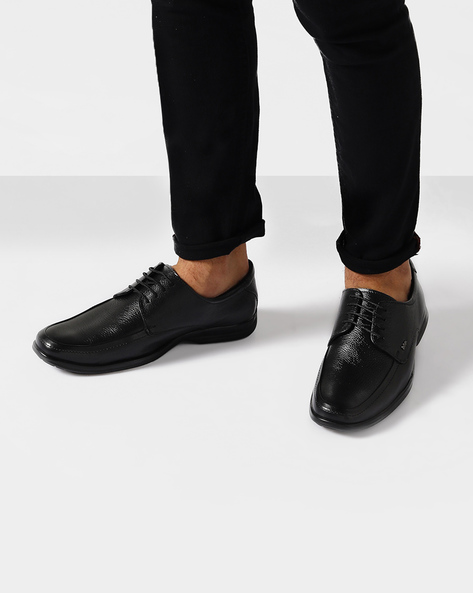 Genuine Leather Textured Shoes By Lee Cooper ( Black )