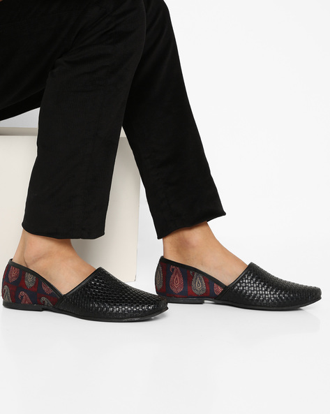 Basket-Weave Nagra Shoes With Paisley Print By AJIO ( Black )