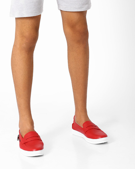 Faux Leather Casual Shoes With Zipper Accents By AJIO ( Red )