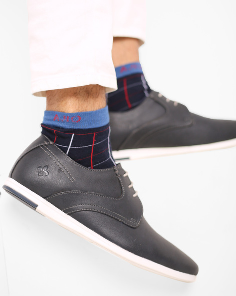 Low-Top Lace-Up Casual Shoes By Bond Street By Red Tape ( Navy )