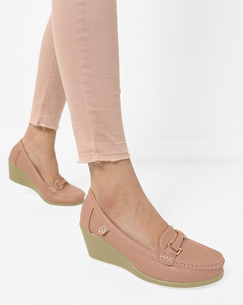 Textured Moc-Toe Wedges By Carlton London ( Pink )