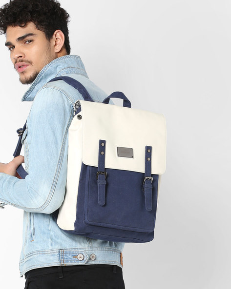 Colourblock Backpack With Flap Closure By GAUGE MACHINE ( Navyblue )