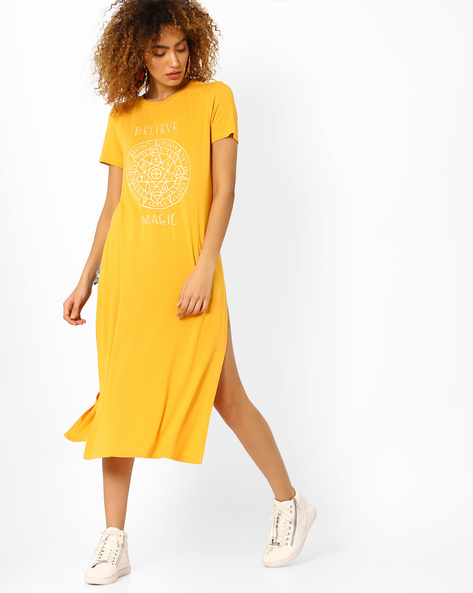 Printed Maxi Top With Side Slits By AJIO ( Mustard )