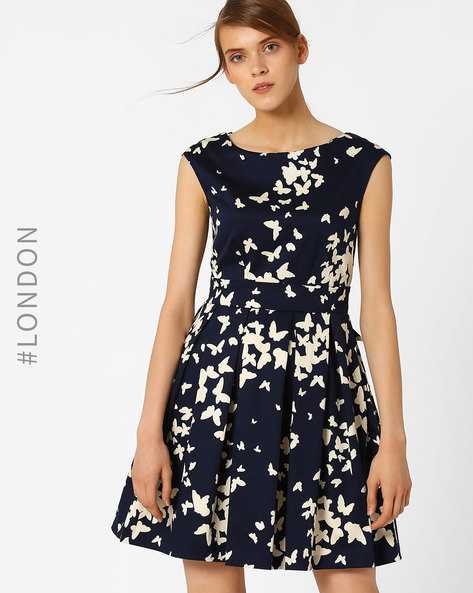 Butterfly Print Pleated Dress With Tie-Up By Closet London ( Navyblue )