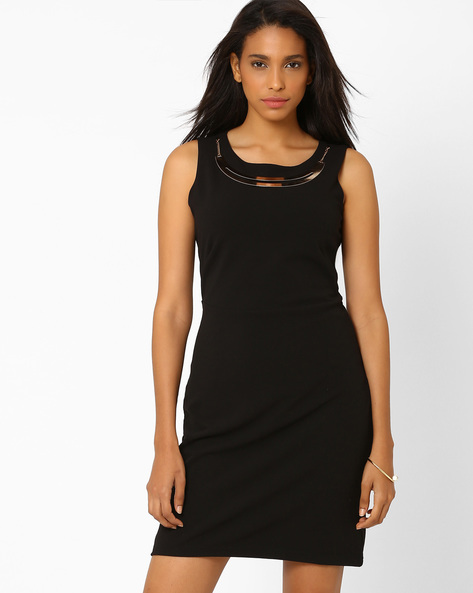 Sheath Dress With Detachable Neckpiece By AJIO ( Black )