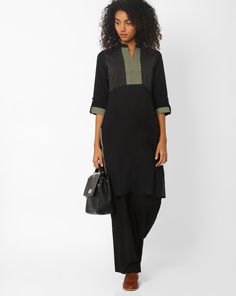 Straight Kurta With Roll-Tab Sleeves By Avaasa Ariah ( Black )