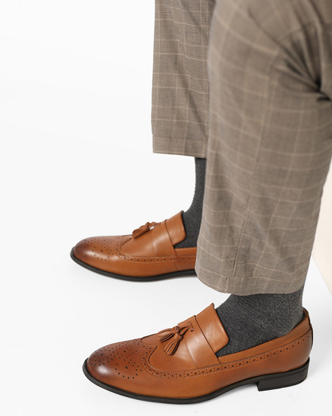 Slip-On Wingtip Formal Shoes By AJIO ( Tan )