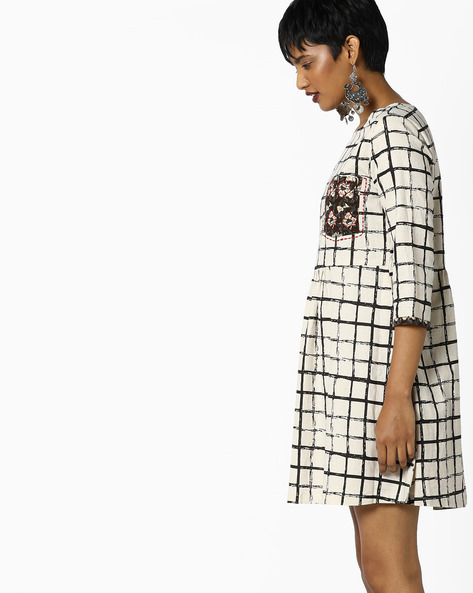 Checked Fit & Flare Dress With Floral Print Pocket By AJIO ( Offwhite )