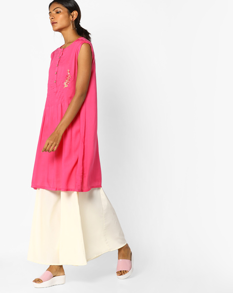 Sleeveless Shift Dress With Embroidery By AJIO ( Pink )