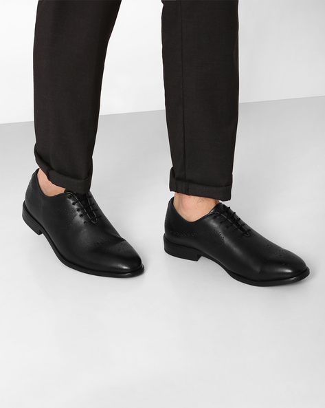 Genuine Leather Formal Shoes By VALENTINO ( Black ) - 460060407001