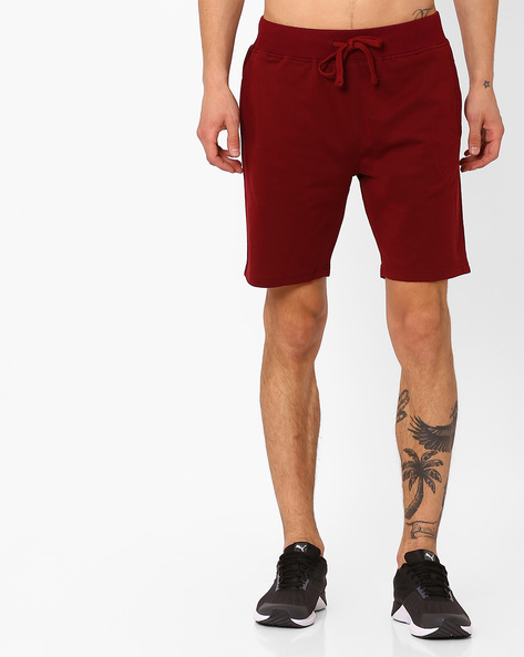 Slim Fit Shorts With Drawstring Fastening By AJIO ( Maroon )