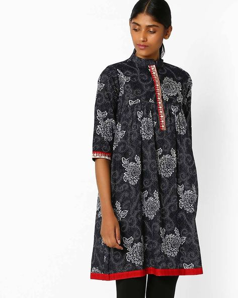 Floral Print Kurta With Embroidery By Libas ( Black )