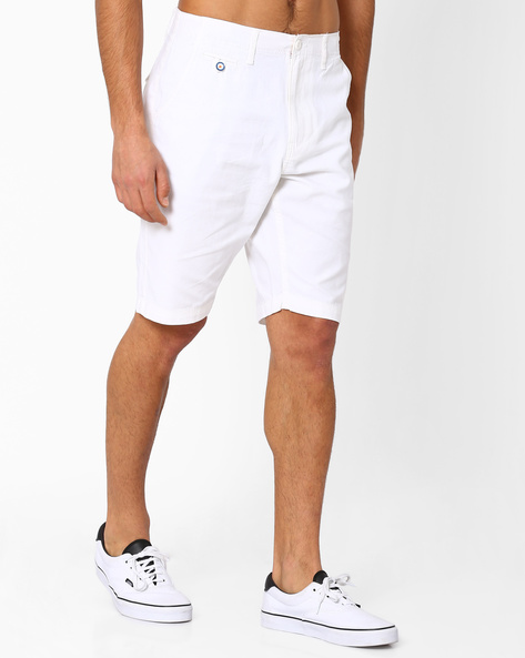 Mid-Rise Shorts With Slant Pockets By NETPLAY ( White )