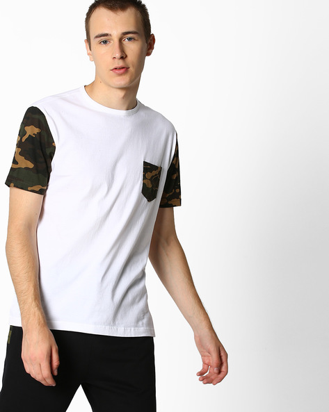 Crew-Neck T-shirt With Camo Print Sleeves By DEEZENO ( White )