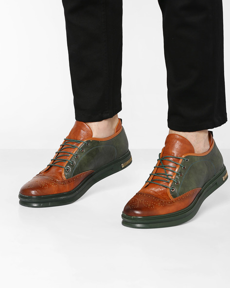 Colourblocked Sneakers With Brogue Detailing By Muddman ( Tan )
