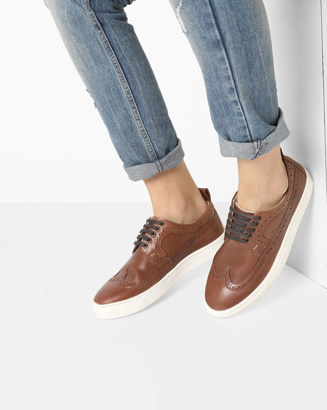 Genuine Leather Sneakers With Broguing By UNITED COLORS OF BENETTON ( Brown )