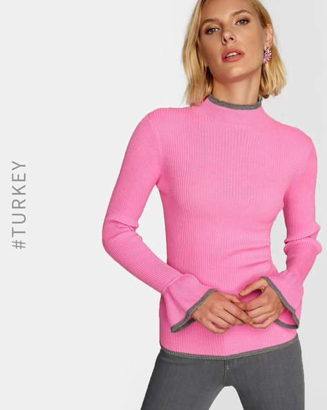 Knitted Pullover With Bell Sleeves By TRENDYOL ( Pink )