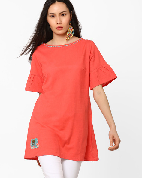 Bell-Sleeved Tunic With Placement Embroidery By AJIO ( Coral )