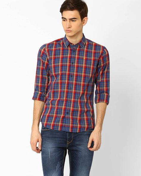Regular Fit Yarn Dyed Checked Shirt By WRANGLER ( Red )