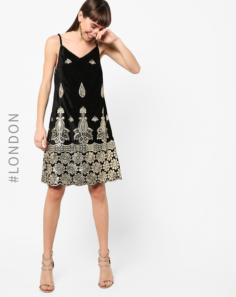 Strappy Velvet Dress With Embroidery By Glamorous ( Black )