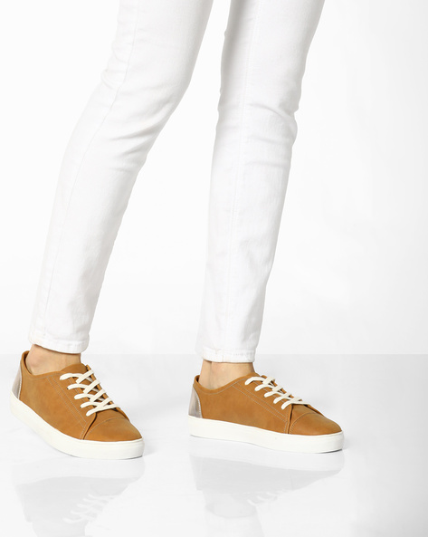 Lace-Up Plimsolls With Contrast Heel Counter By AJIO ( Lightbrown )