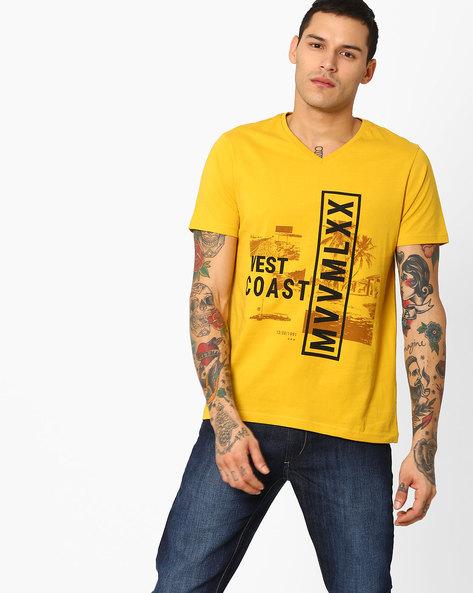 Graphic Print Slim Fit T-shirt By AJIO ( Mustard )