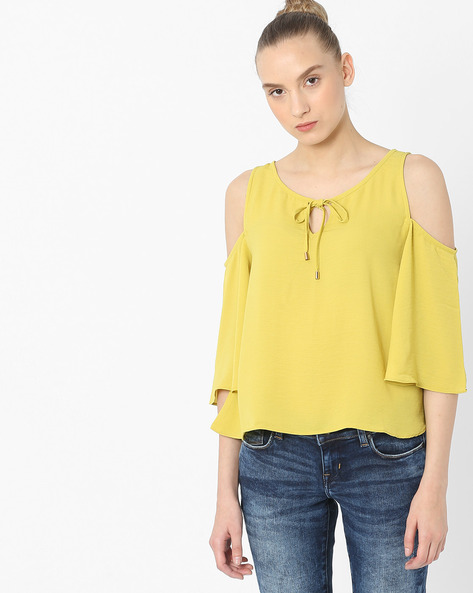 Flared Cold-Shouldered Top By AJIO ( Lime )