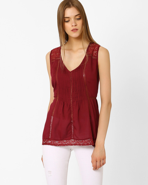 Sleeveless Top With Lace Inserts By Oxolloxo ( Red )