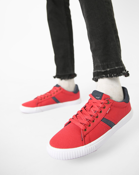 Black Tab Runner Canvas Shoes With Lace-Ups By LEVIS ( Red )