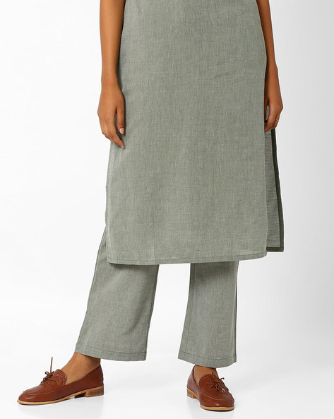 Relaxed Fit Trousers With Elasticated Waist By AJIO ( Green )