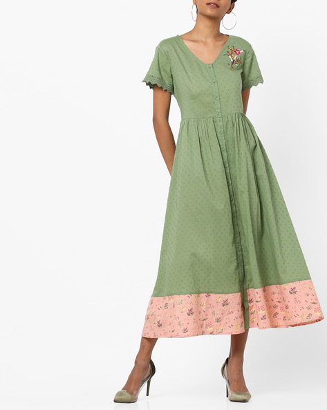 Embroidered V-neck Midi Dress By AJIO ( Green )