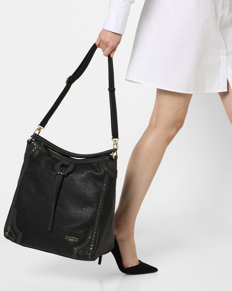 Shoulder Bag With Zip Closure By Carlton London ( Black )
