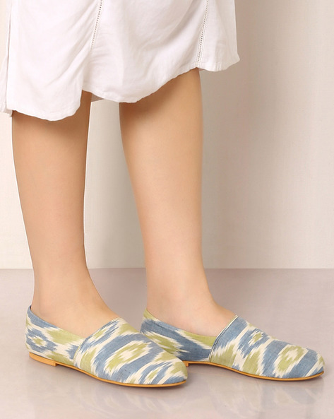 Handwoven Ikat Slip-on Shoes By Ada ( Multi ) - 460042756001