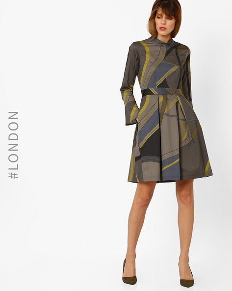 High-Neck Pleated Dress With Flared Sleeves By Closet London ( Khaki )
