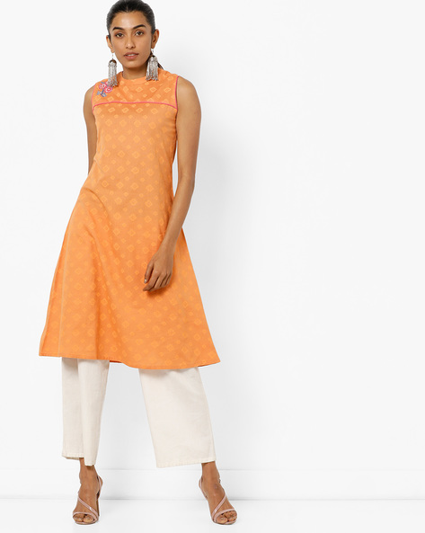 Geometric Print Straight Sleeveless Kurta With Embroidery By AJIO ( Orange )