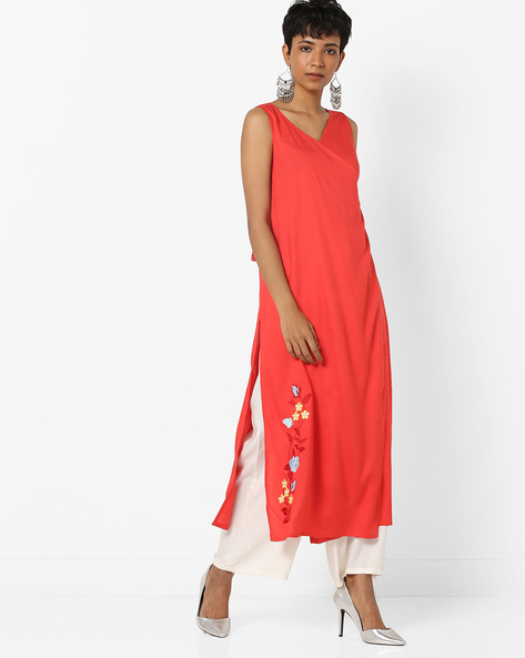 Surplice-Neck Kurta With Tasselled Tie-Ups By AJIO ( Red )