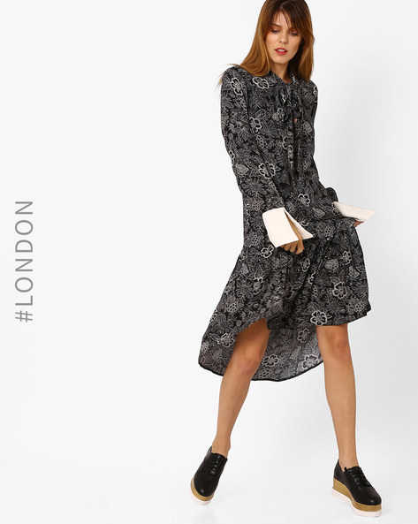 Floral Print Dress With Contrast Cuffs By Closet London ( Black )