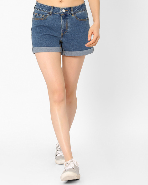 Mid-Rise Shorts With Upturned Hems By Vero Moda ( Blue )