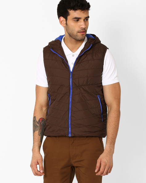 Regular Fit Quilted Jacket With Hood By AJIO ( Coffeebrown )