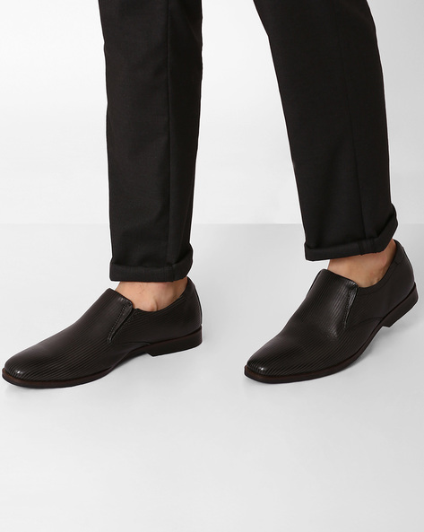 Genuine Leather Textured Slip-on Formal Shoes By VALENTINO ( Black )