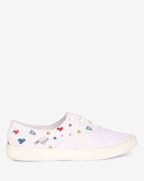 Panelled Lace-Up Casual Shoes By AJIO ( White )