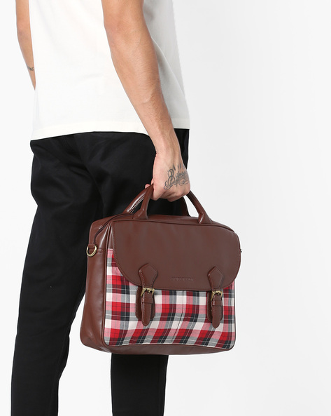 Checked Laptop Messenger Bag By GAUGE MACHINE ( Brown )