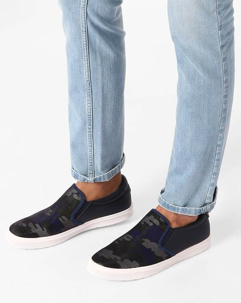 Camouflage Print Slip-On Shoes By Muddman ( Navy )