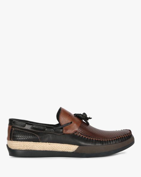 Textured Slip-On Shoes With Tassels By DUKE ( Brown )