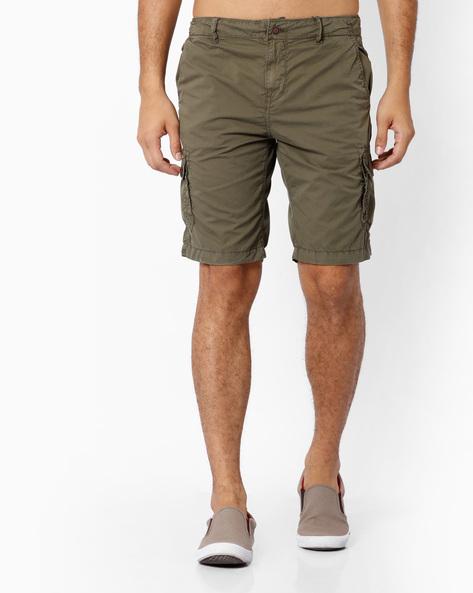 Regular Fit Overdyed Cargo Shorts By AJIO ( Olive )