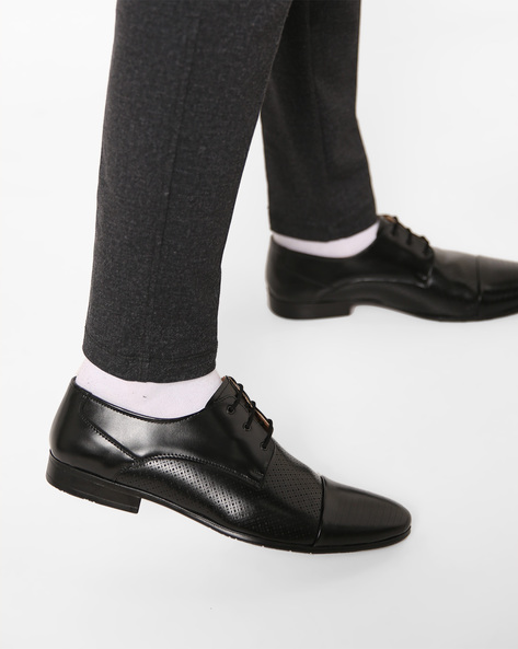 Textured Toe-Cap Oxford Shoes By Modello Domani ( Black )